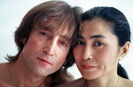 http://www.johnlennon.it/beatles%20pics/lennon-beautiful.jpg